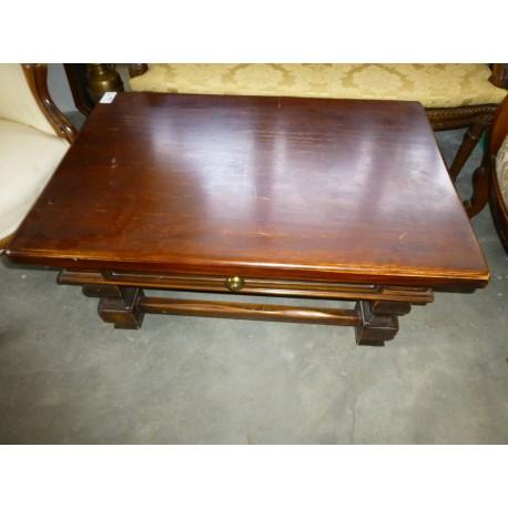 Tavolo rotondo in legno massello tesori nascosti mercatino dell 39 antiquariato e del collezionismo for Tavolo legno rotondo